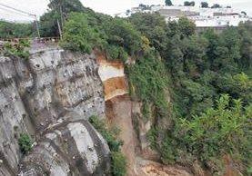 Un deslizamiento en octubre del 2015 socavó el bulevar San Marino. La solución sería construir un puente a un costo de Q24 millones.