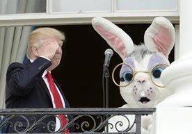 Donald y Melania Trump recibieron a 20 mil niños y padres.
