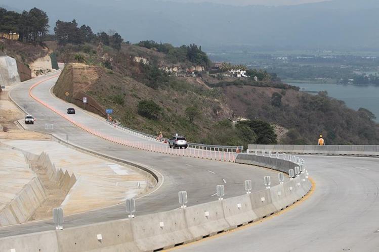 La Vía Alterna del Sur es una nueva carretera que libera el tránsito en varios municipios del sur de la capital. (foto Prensa Libre: Hemeroteca PL)