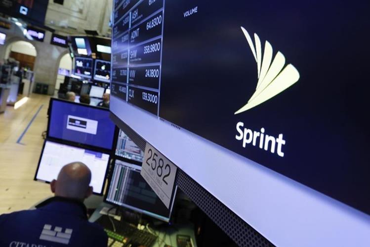 Las tres compañías han pactado negociar de forma exclusiva por un periodo de dos meses la posibilidad de forjar una alianza. (Foto Prensa Libre: AP)