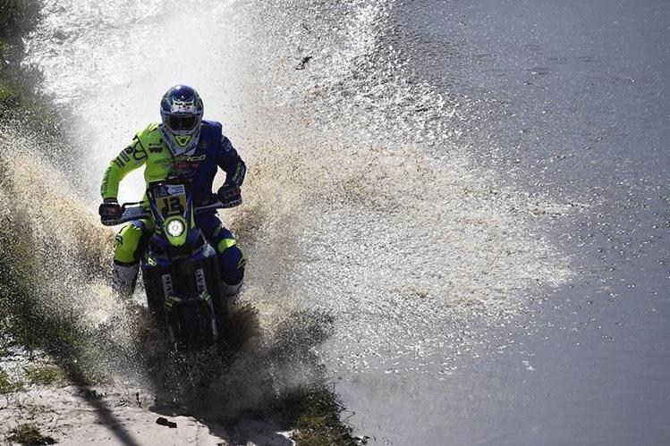 Juan Pedrero García lidera la categoría de motos del Rally Dakar 2017. (Foto Prensa Libre AFP)