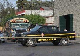 Ataque a unidad que viaja de Antigua Guatemala, Sacatepéquez, hacia la ciudad de Guatemala. (Foto: Hemeroteca Pl)