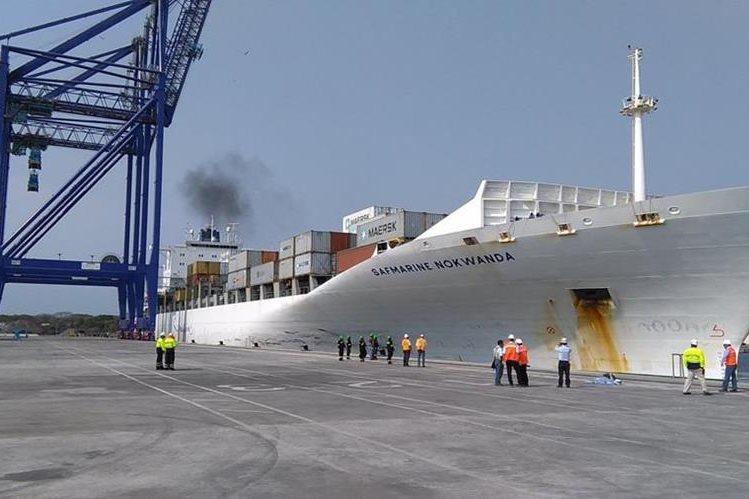 Con la llegada del Buque Safmarine Nokwanda arrancó la operación marítima de TCQ, en medio de señalamientos de corrupción, vicios de anomalías. (Foto, Prensa Libre: Urías Gamarro)