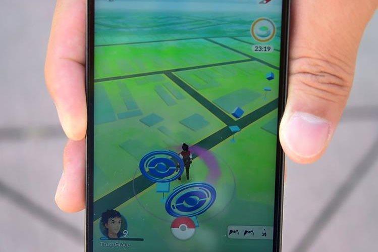 Los creadores de Pokémon Go dicen que están trabajando para retirar sitios reales que no quieren ser parte del juego. (Foto Prensa Libre: AFP).