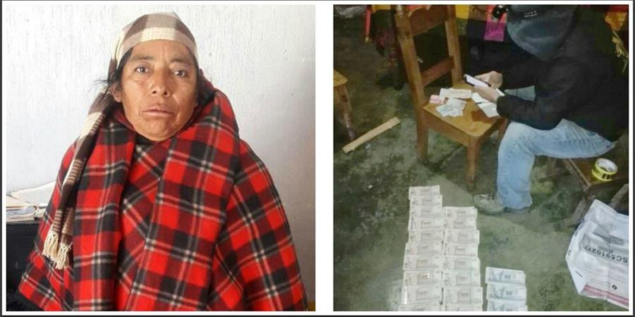 Francisca Antonio Juan ocultaba una fuerte suma en Santa Eulalia, Huehuetenango. El efectivo fue incautado por el MP. (Foto Prensa Libre: Mike Castillo)