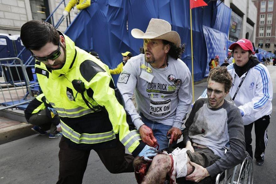 Al menos 264 personas quedaron heridas por el atentado, muchas de las cuale sufrieron la amputación de sus extremidades. (Foto Prensa Libre: AP).