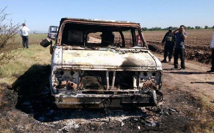 El vehículo en el que viajaban los australianos fue hallado quemado. (Foto Hemeroteca PL).