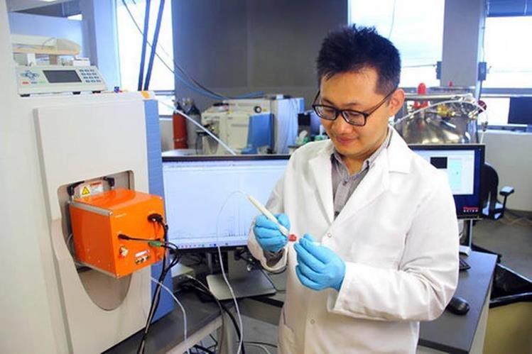El dispositivo creado por la Universidad de Texas promete detectar el cáncer en cuestión de segundos (Foto Prensa Libre: UT).