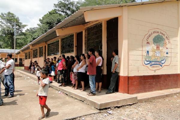 <p>Los fondos de la Operación Escuela se emplean en la reparación de centros educativos. (Foto Prensa Libre: Archivo)</p>