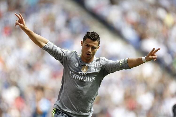 Cristiano Ronaldo conquistó un nuevo récord en la Liga española. (Foto Prensa Libre: EFE)