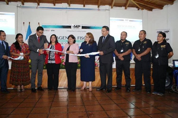 Inauguran agencia fiscal que estará ubicada en el Hospital Regional de Cobán. (Foto Prensa Libre: Eduardo Sam)