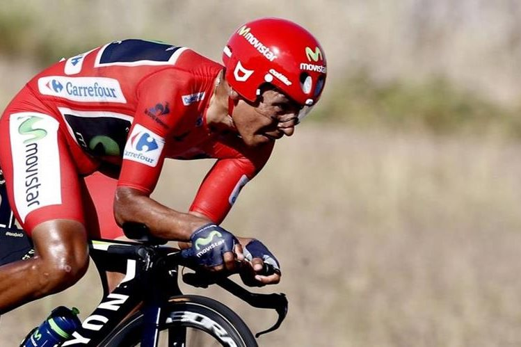 Nairo Quintana, en acción, durante la Vuelta a España. (Foto Prensa Libre: EFE)