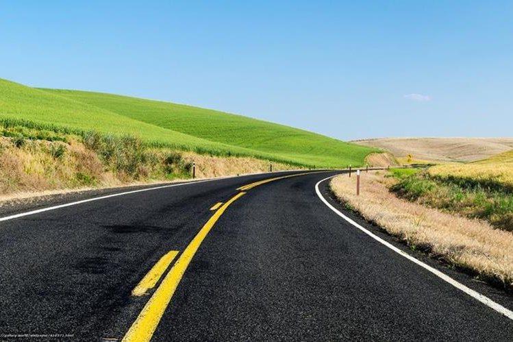 Los estadounidenses recorrerán grandes distancias, para aprovechar el precio bajo de la gasolina. (Foto Prensa Libre: st.gde-fon.com)