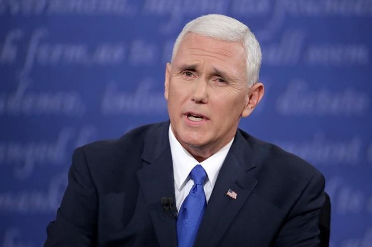 El candidato republicano a la vicepresidencia de EE. UU., Mike Pence, durante el debate del martes último. (Foto Prensa Libre: AFP).