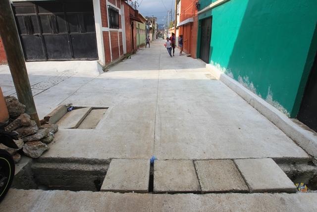 La obra en la 21 avenida, Proyecto 4-10, zona 6 de Guatemala, está inconclusa. (Foto Prensa Libre: Esbin García)