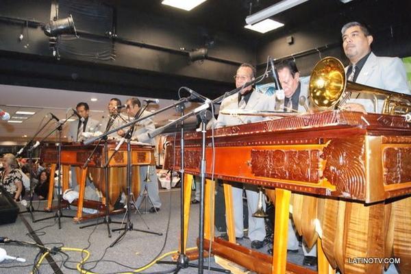 <p>Marimba Orquesta Gallito en una gira por Estados Unidos. (Foto tomada del blog oficial del conjunto)</p>