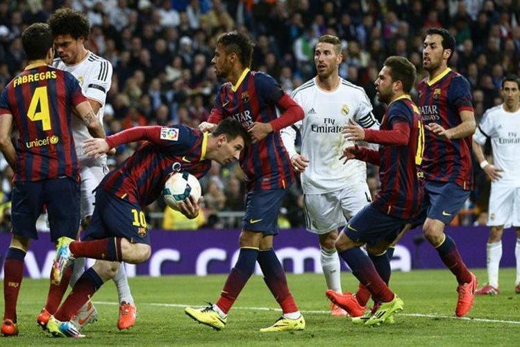 Barcelona y Real Madrid se verán las caras el 2 de abril en el Camp Nou. (Foto Prensa Libre: Hemeroteca PL)