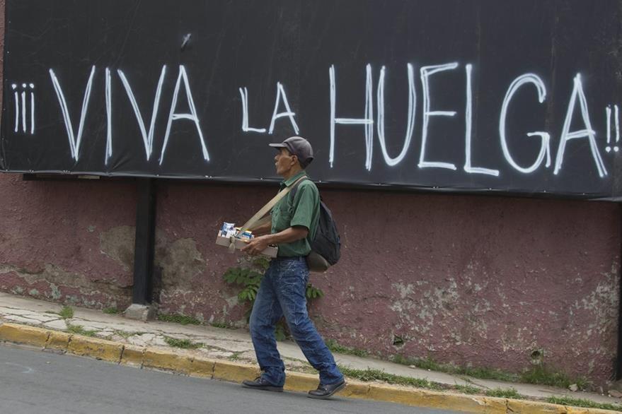 La crisis por casos de corrupción en Honduras se ha intensificado en los últimos días. (Foto Prensa Libre: EFE).