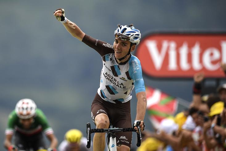 El francés Romain Bardet se impuso hoy en la duodécima etapa de la edición 104 del Tour. (Foto Prensa Libre: AFP)