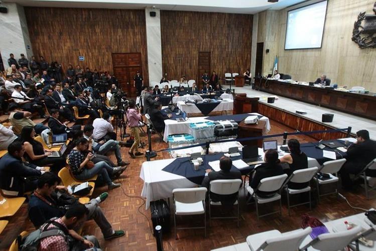 El ambiente de la Sala de Vistas de la CSJ, un día después de la resolución del Juzgado de Mayor Riesgo B, fue más tranquilo. (Álvaro Interiano)