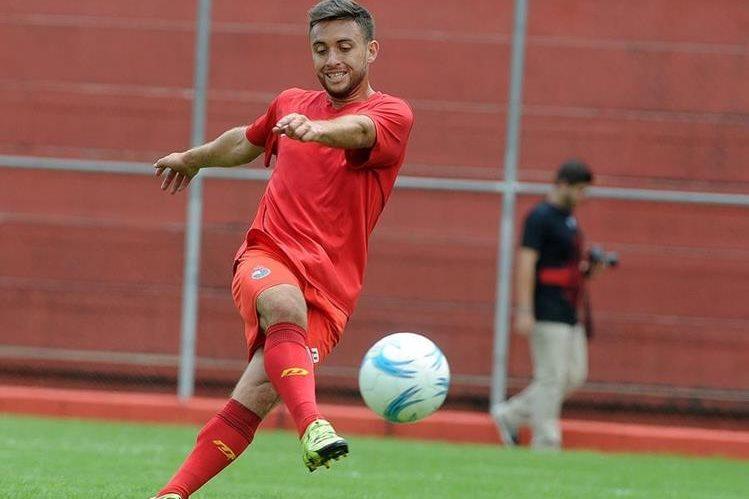 Henry López fue el máximo romperedes de Municipal en el Apertura 2015 con 8 goles (Foto Prensa Libre: Hemeroteca PL)