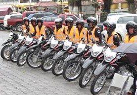 Las 20 motocicletas donadas por la Cooperación Española servirán para fortalecer la seguridad. (Foto Prensa Libre: Ángel Julajuj)