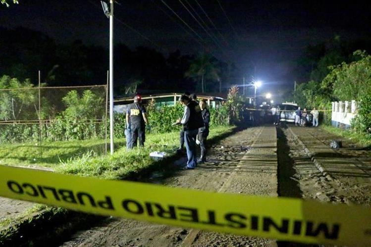 Lugar donde murió de forma violenta Jonathan Alfonso López, en Nuevo San Carlos. (Foto Prensa Libre: Rolando Miranda).