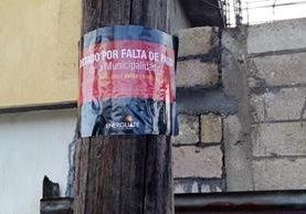 Anuncio informa respecto de la deuda con Energuate. (Foto Prensa Libre: Carlos Ventura).