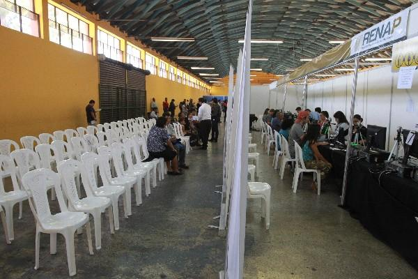 La merma de personas se evidenció ayer durante una visita a la sede del Renap, en el Parque de la Industria.