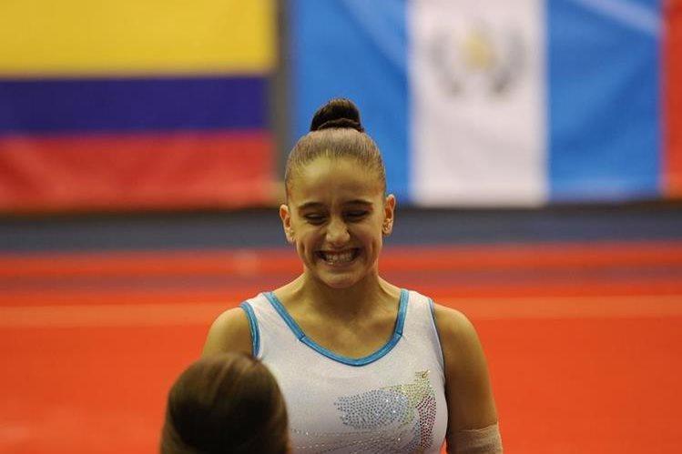 Marcela Bonifasi luce feliz por tener la oportunidad de representar al país en el Festival Deportivo. (Foto Prensa Libre: Francisco Sánchez).