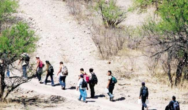 Los migrantes legales o indocumentados tienen índices de criminalidad más bajos que los de los estadounidenses, según estudios. (Foto Prensa Libre: HemerotecaPL)