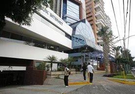 Oficinas de la empresa Aceros de Guatemala, que había sido intervenida por la SAT, por evasión de impuestos. (Foto Prensa Libre: Hemeroteca PL)