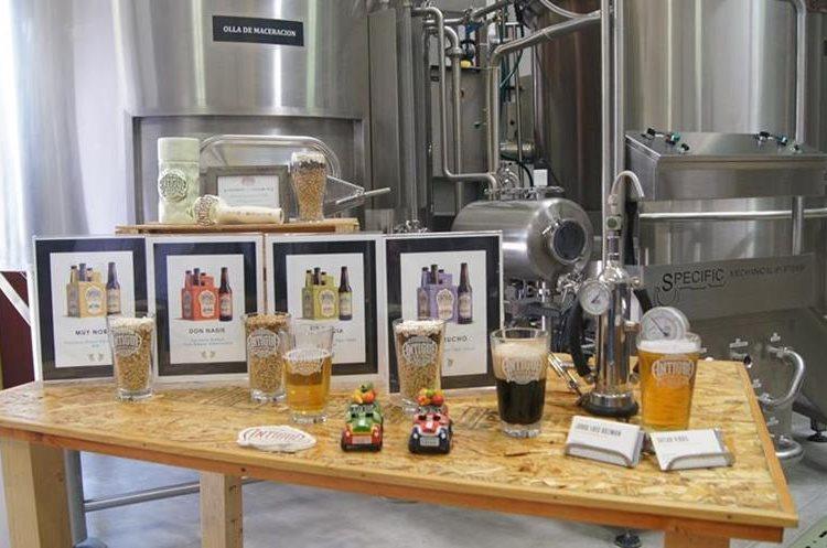 En el 2016, Antigua Cerveza recibe su licencia como Fabricante de Cerveza en Guatemala. (Foto Prensa Libre: Cortesía)
