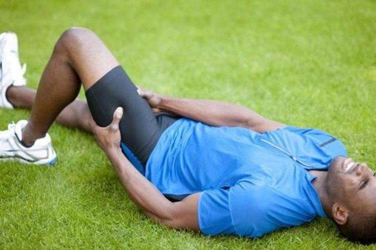Debilidad y problemas musculares pueden estar directamente relacionados a la falta de proteínas. (GETTY IMAGES)