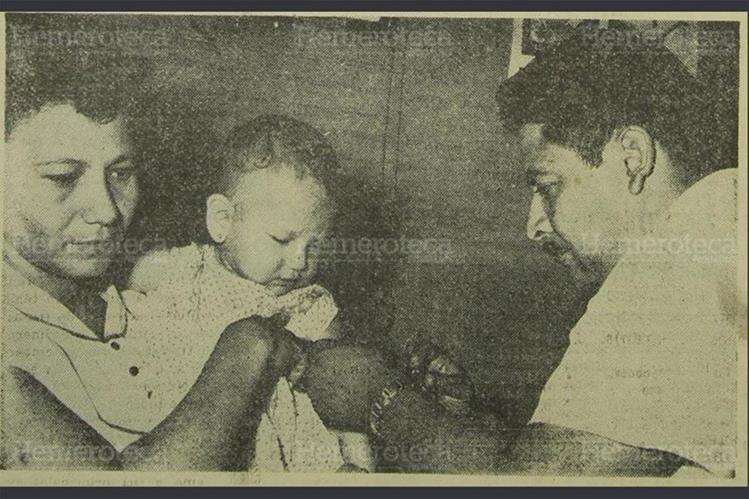18/01/1961 Campaña de vacunación del IGSS en San Agustín Acasaguastlán, El Progreso. (Foto: Hemeroteca PL)