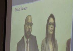 Roxana Baldetti, junto a su abogado, compareció por videoconferencia ante el Tribunal Quinto. (Foto Prensa Libre: Paulo Raquec)