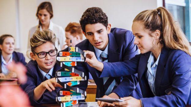 """""""Uno de los problemas de la educación es la expectativa de que todos los alumnos (aprendan uniformemente), y así no es como funciona"""", dice Groff.GETTY IMAGES"""