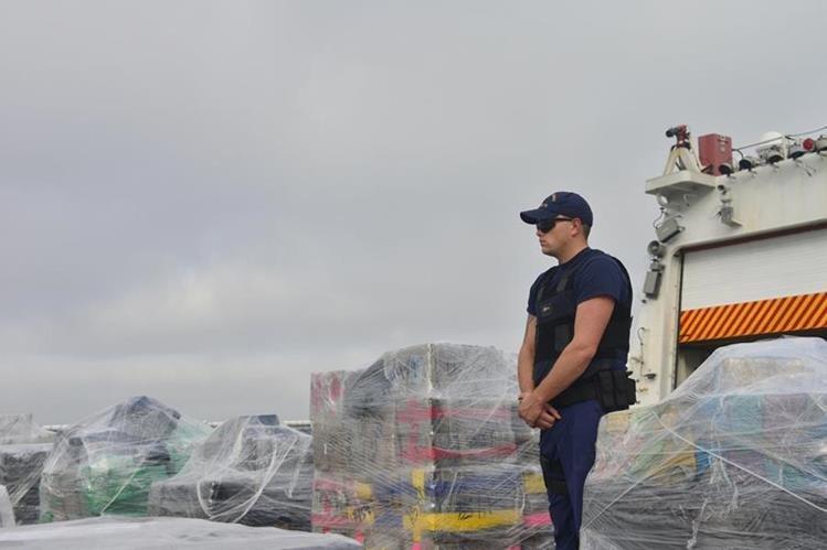 Incautación de 18 toneladas de cocaína ocurrida el 15 de junio de 2017, en San Diego, California. (Foto Prensa Libre: EFE)
