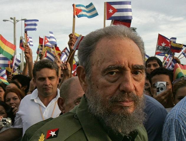Fidel Castro, en 2006. El líder cubano falleció el 25 de noviembre a los 90 años. Su figura también sirvió de inspiración para composiciones musicales, unas como elogio a sus ideales y otras en contra de su revolución. (Foto Prensa Libre: AFP).