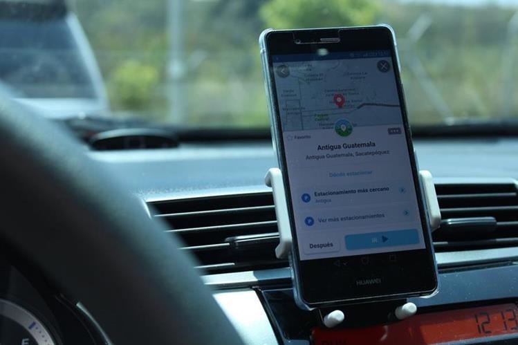 Para esta Semana Santa, utilice al máximo la aplicación Waze (Foto Prensa Libre: José Ochoa).
