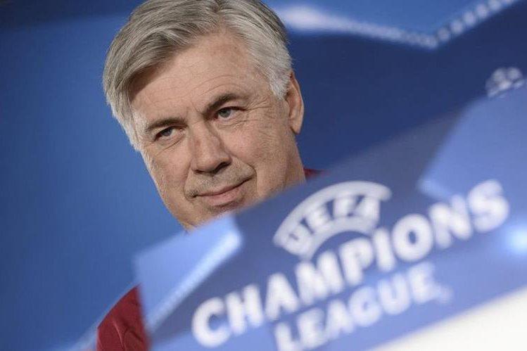 Carlo Ancelotti lució cauto durante la conferencia de prensa previa al duelo contra el Atlético de Madrid. (Foto Prensa Libre: EFE).