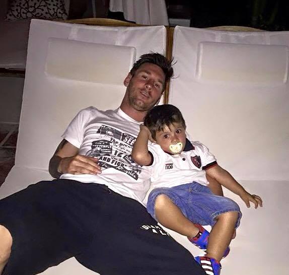 Lionel Messi llegó a Argentina para pasar las fiestas navideñas junto a su familia, en su ciudad natal de Rosario (Foto Prensa Libre: Hemeroteca PL)