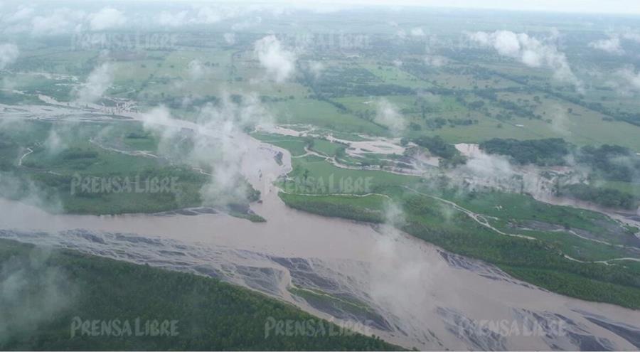 Según explica CONRED, las tierras están saturadas y por lo tanto ya no absorben el agua.