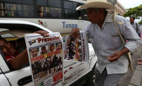 Diarios locales destacan la desaparición tres jóvenes en Veracruz.