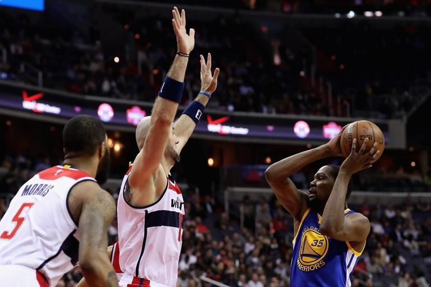 Durant fue sometido a una resonancia para determinar el estado de la lesión. (Foto Prensa Libre: AFP)