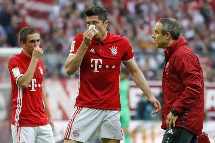 Robert Lewandowski del Bayern Munich es duda para el juego contra El Real Madrid. (Foto Prensa Libre: EFE)