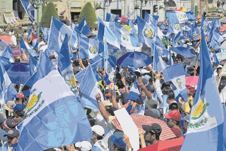 Desde el 2015, la ciudadanía que ha salido a manifestar en contra de la corrupción e impunidad ha solicitado que se reforme la Ley Electoral. (Foto Prensa Libre: Hemeroteca PL)