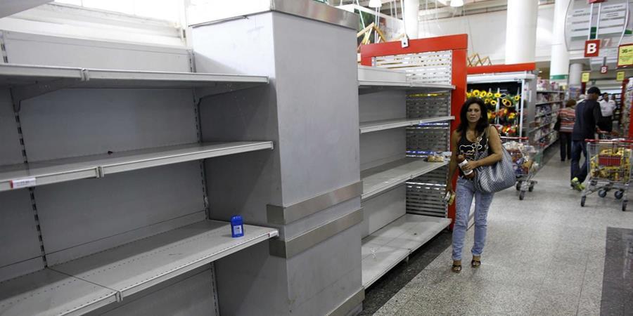 Los productos alimenticios escasean en todas las tiendas de Venezuela. (Foto Hemeroteca PL)