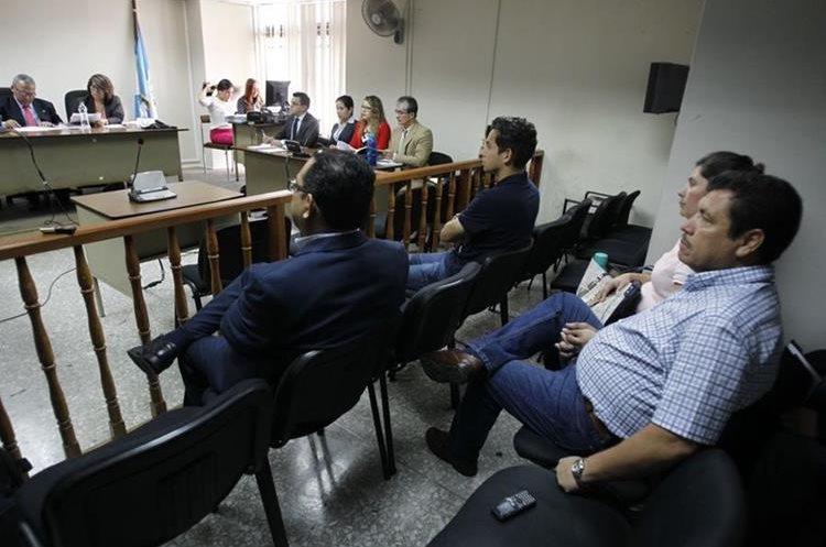 Algunos implicados en caso Botín Registro de la Propiedad durante la audiencia de este lunes. (Foto Prensa Libre: Paulo Raquec)