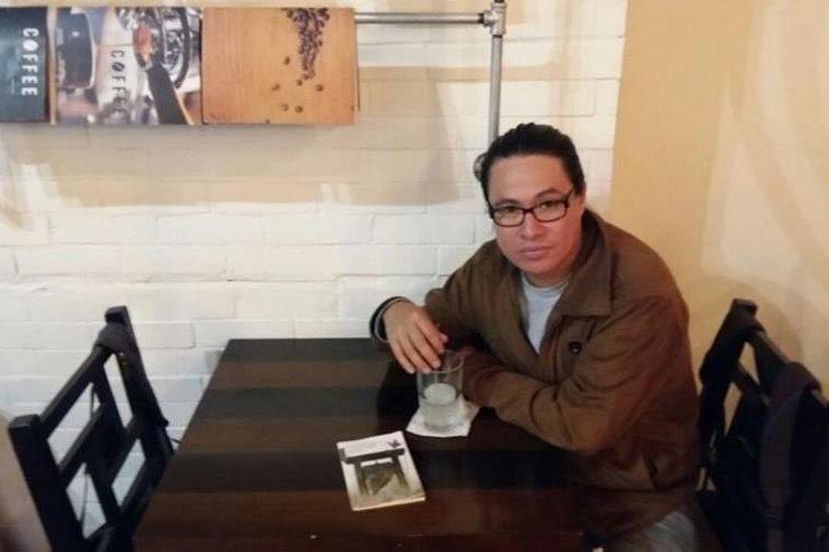 Elmer Telón Galdámez presenta su libro El espacio que recorre un grito. (Foto Prensa Libre: Hemeroteca PL)